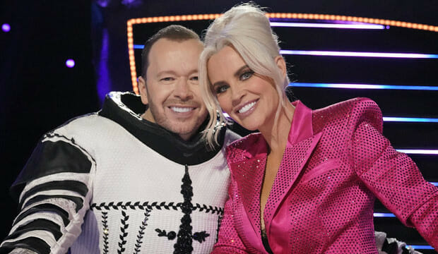 How Donnie Wahlberg Hilariously Hid 'Masked Singer' Reveal From Jenny McCarthy