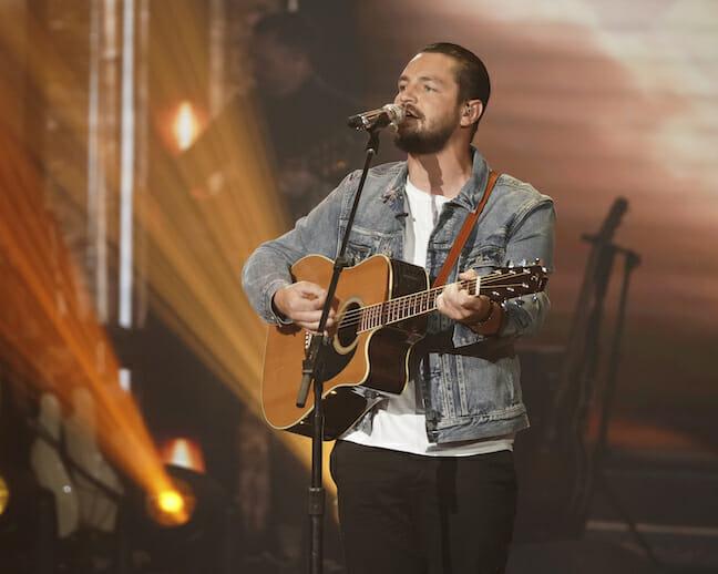 'American Idol' Winner Chayce Beckham Opens for Country Star Dustin Lynch