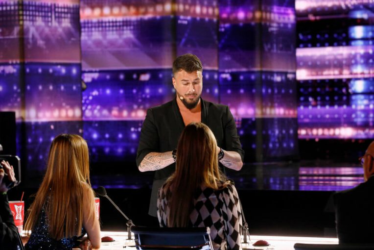 The 'AGT' Judges Read Terry Crews' Mind During Amazing Mentalist Act